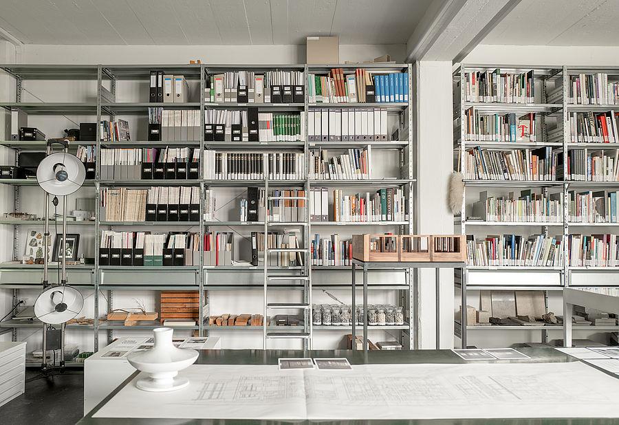 Bibliotheken Sind Schatzkammern Des Wissens Unsere Bibliothek Ist Eine Geordnete Sammlung Von Uber Tausend Buchern Und Textmaterialien Mit Dem Inhaltlichen